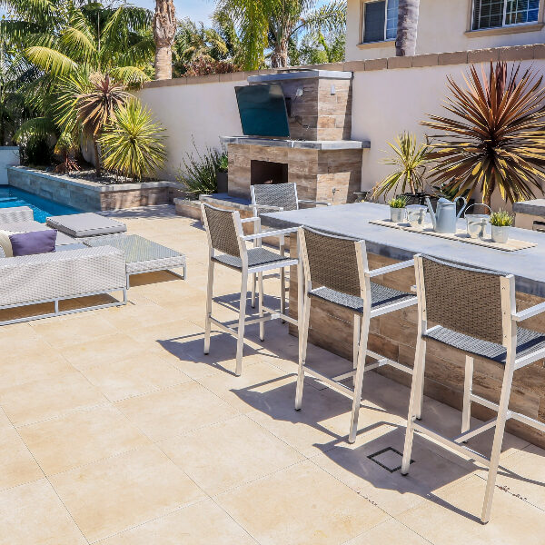 jsq-pools-queen-residence-pool-image-11