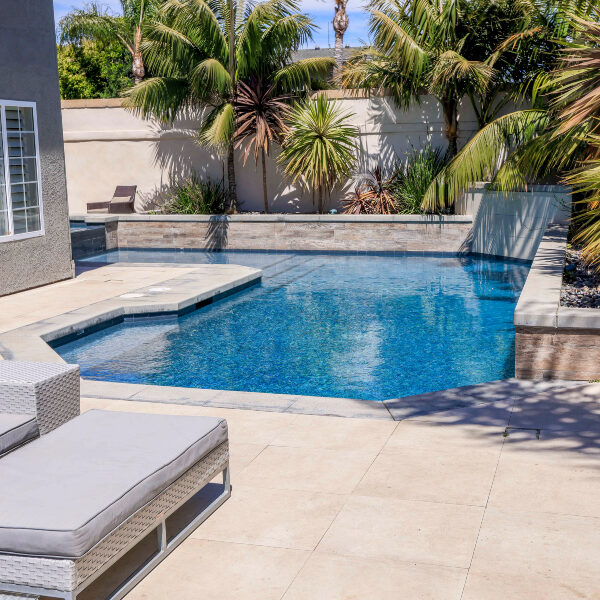 jsq-pools-queen-residence-pool-image-15
