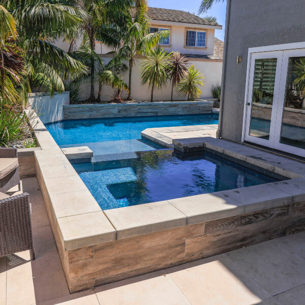 jsq-pools-queen-residence-pool-image-21