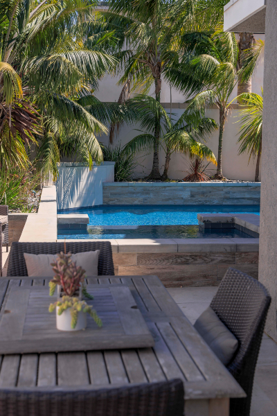jsq-pools-queen-residence-pool-image-24