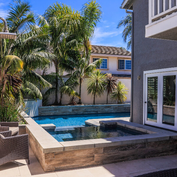 jsq-pools-queen-residence-pool-image-27