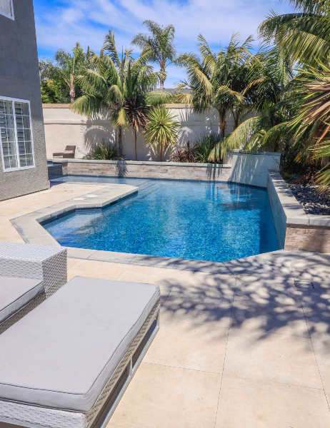 jsq-pools-queen-residence-pool-image-3