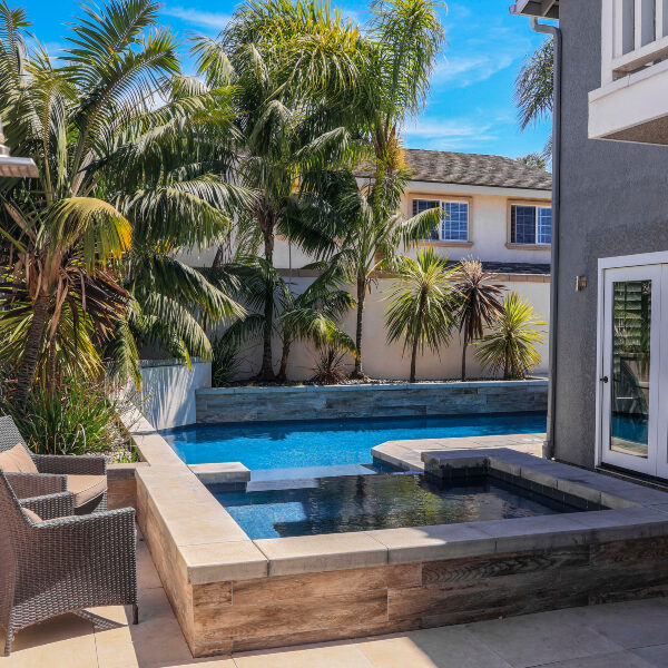 jsq-pools-queen-residence-pool-image-30