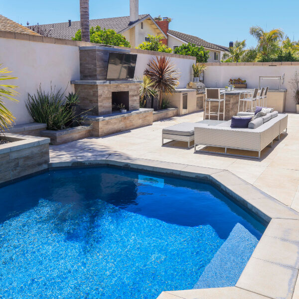 jsq-pools-queen-residence-pool-image-4