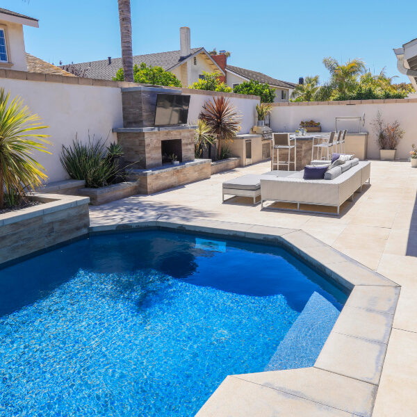 jsq-pools-queen-residence-pool-image-5