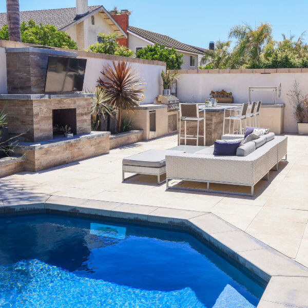 jsq-pools-queen-residence-pool-image-6