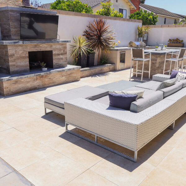 jsq-pools-queen-residence-pool-image-8
